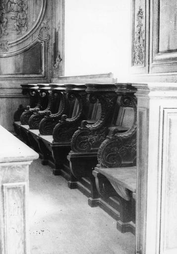 Stalles, bois sculpté, 18e siècle