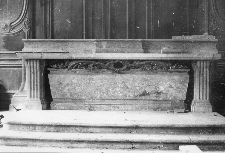 Maître-autel, marbre, 18e ou 19e siècle
