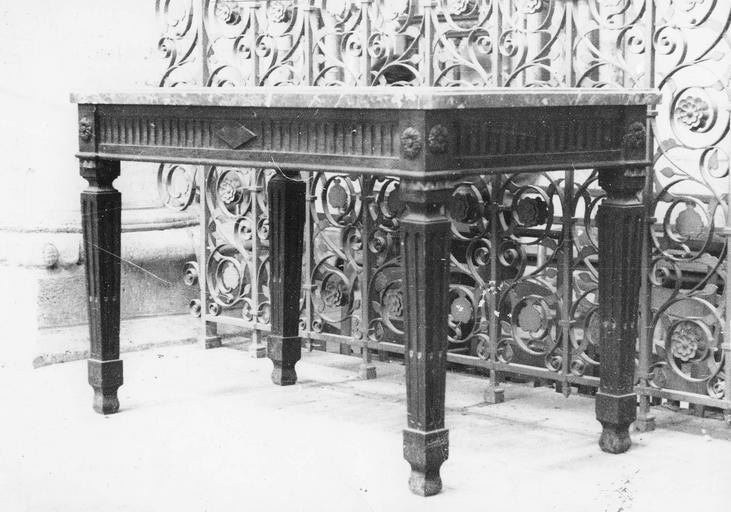 Console, bois et dessus marbre, époque Louis XVI