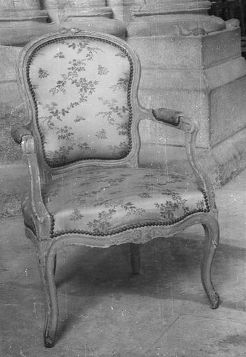 Fauteuil époque Louis XV