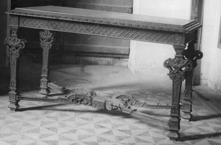 Table, bois sculpté, époque Louis XIV