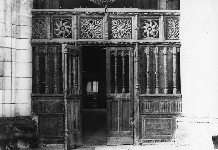 Clôture de la chapelle Saint-Joseph, bois sculpté, 14e siècle