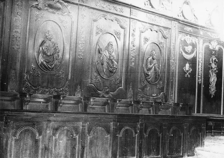Lambris de revêtement, stalles, bois sculpté 18e siècle