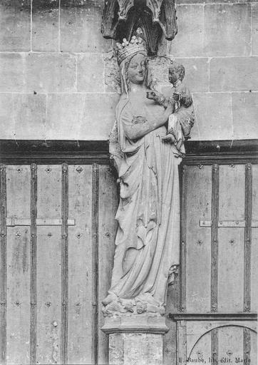 Statue : Vierge à l'Enfant, pierre, 14e siècle