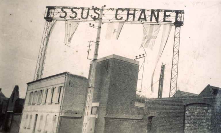 Maretz (Nord), vue extérieure du tissage Chanel, mai 1945