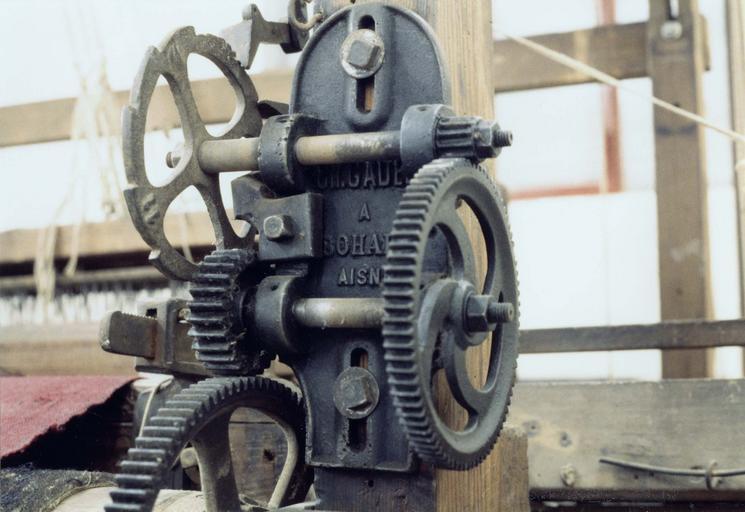 Métier à tisser, mécanisme de rouleau d'appel avec plaque Gadel