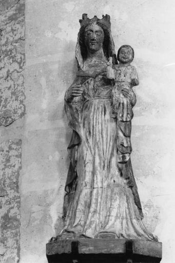 Statue : Vierge à l'Enfant, bois, polychrome, 15e siècle