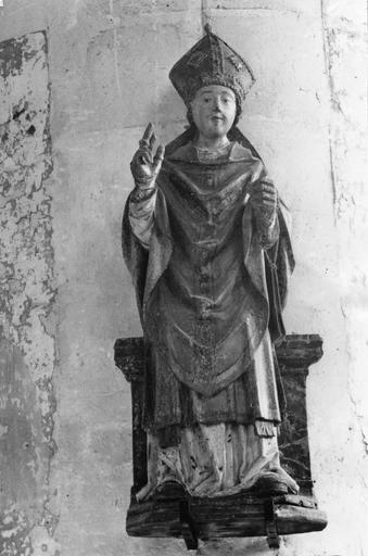 Statue (statuette) : saint évêque, bois polychrome, 16e siècle
