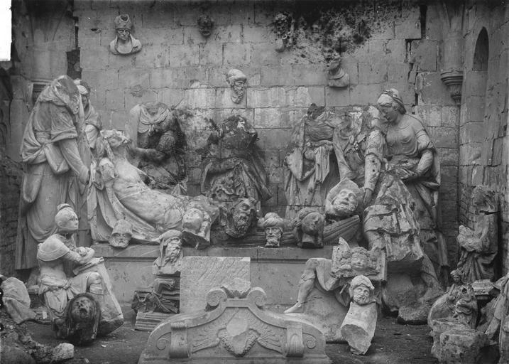 Groupe sculpté : La Mise au tombeau, pierre, fin 16e siècle