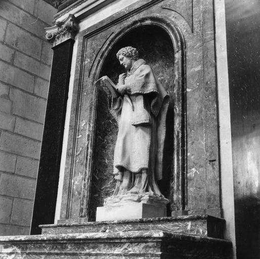 Statue : saint Gervais ou saint Protais, pierre, 18e siècle