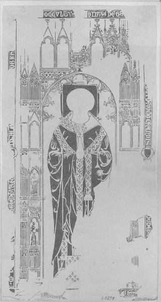 Dalle funéraire d'un chanoine de Laon