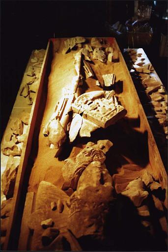 Statue : gisant dit de saint Odilon, vue d'ensemble