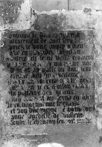 Dalle funéraire avec inscription, pierre, 15e siècle