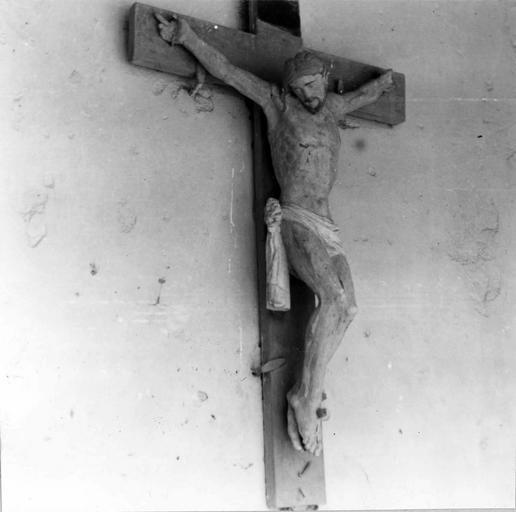 Christ en croix, bois, 17e siècle, vu par la gauche