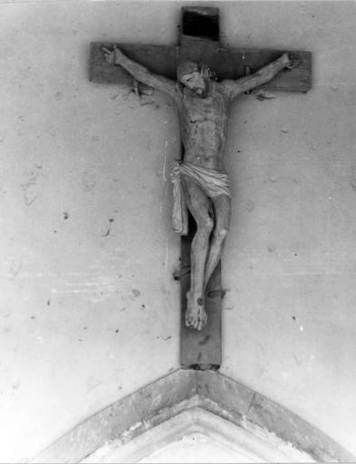 Christ en croix, bois, 17e siècle, vu de face