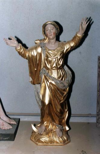 Statue : Vierge de l'Assomption, bois doré, 18e siècle, après restauration