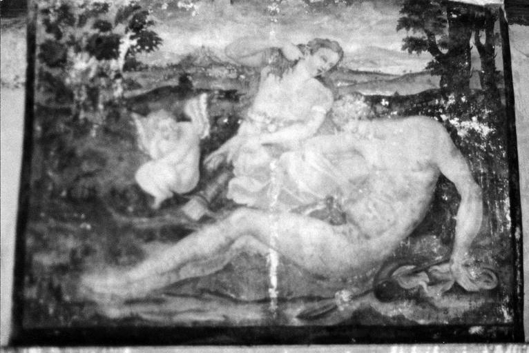 Cheminée du 1er, peinture murale ornant la face principale, 16e siècle, avant restauration