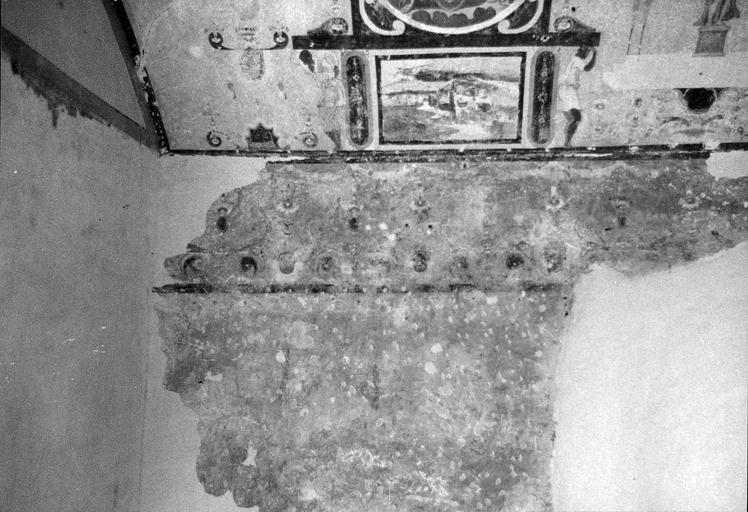 Tour sud la voûte, peinture murale, motifs de rinceaux végétaux, 16e siècle, avant restauration