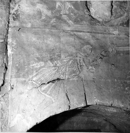 Peintures murales, 12e-15e siècles, détail d'un personnage avec une épée, avant restauration