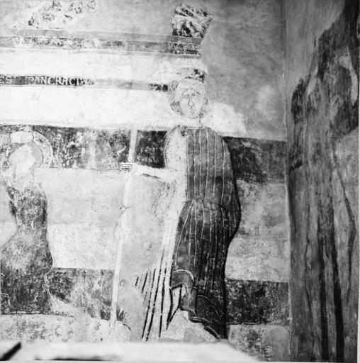 Peintures murales, 12e-15e siècles, détail d'un saint personnage