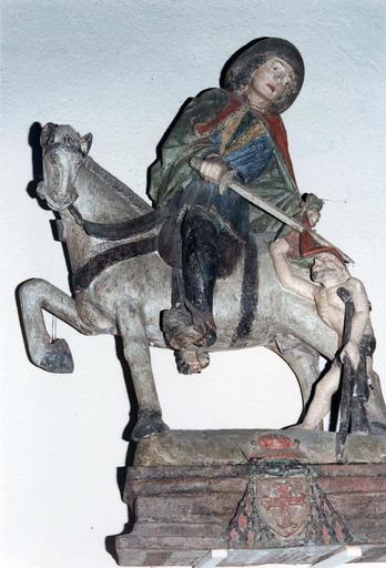 Sculpture : saint Martin, bois polychrome, avant restauration de 1987