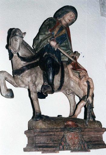 Sculpture : saint Martin, bois polychrome, après restauration