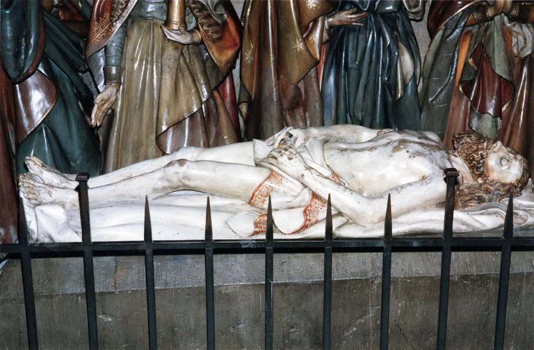 Groupe sculpté grandeur nature : La Mise au tombeau,marbre et pierre sculptée et peinte, 16e siècle, détail du Christ