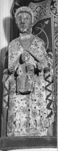 Statue dite de Coulandon : Vierge à l'Enfant, bois marouflé, époque romane, vue de face