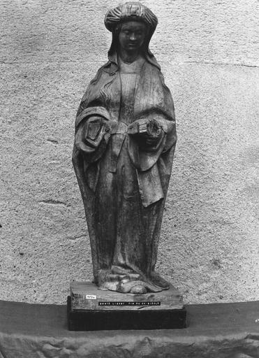 Statue : sainte lisant, bois, fin du 15e siècle, vue de face