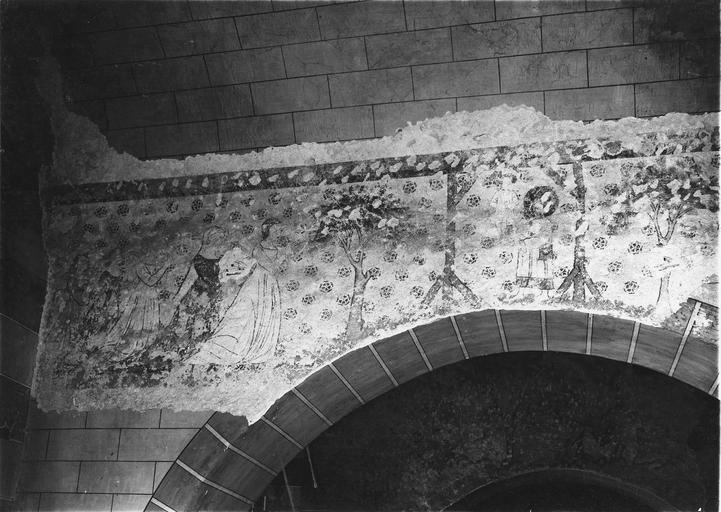 Peinture monumentale, fin 12e à fin 14e siècle, cinq femmes en procession dans un jardin se dirigeant vers un personnage nimbé , peut être les saintes femmes au tombeau