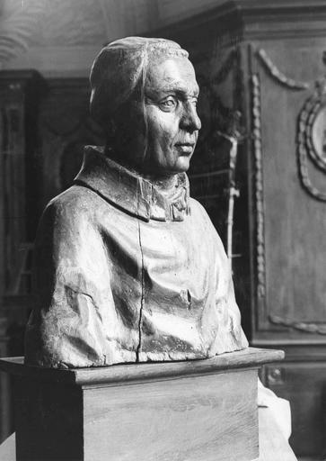Buste dit de«Dom Chollet», bois, 17e siècle, vu par la gauche