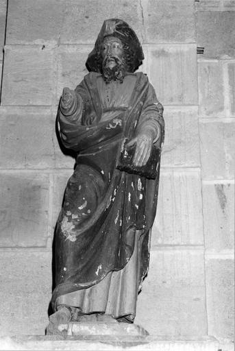 Statue de saint Jacques, pierre polychrome, vue de face