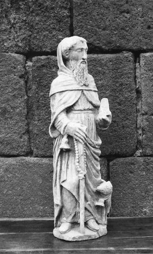 Statue de saint Antoine, pierre, 16e siècle, vue par la gauche