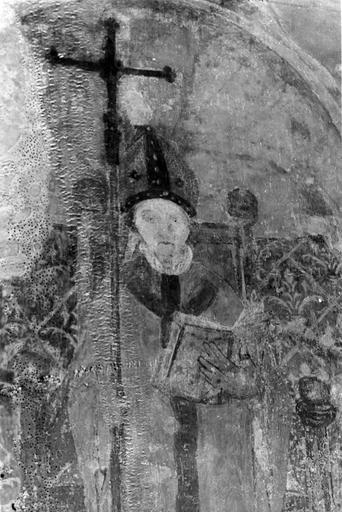Peinture monumentale, 15e siècle, sur les piliers de la nef, représentation d'un évêque lisant, détail du buste du personnage