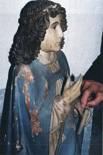 Statue : L'Ange de l'Annonciation, l'archange Gabriel, bois polychrome, 15e siècle, vue du profil droit