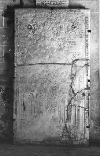Dalle funéraire de Ptolémée Coron et de sa femme, morts en 1418 et 1400, pierre gravée, 15e siècle