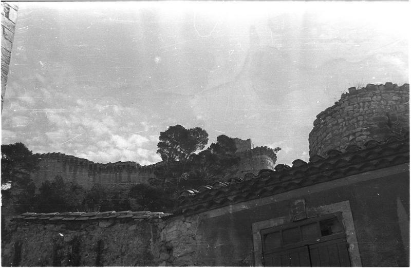 Partie supérieure de l'enceinte en ruines