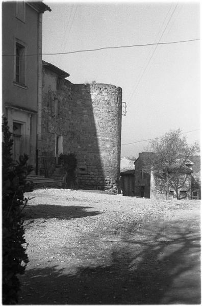 Ancienne tour sur les remparts