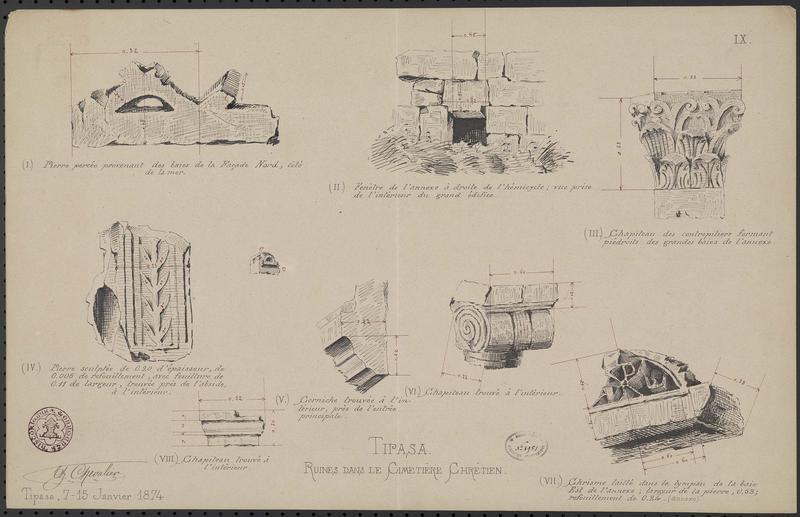 Détails de corniche, de chapiteaux et de pierres gravées