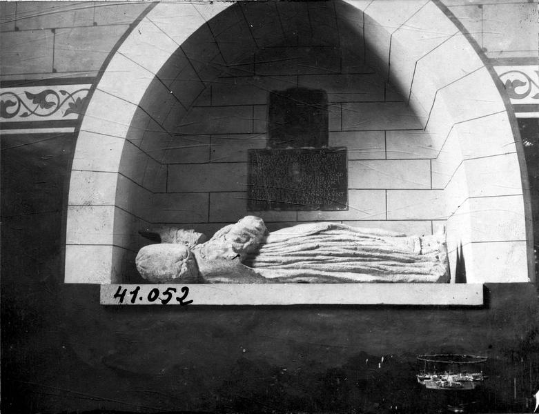 Tombeau (gisant) d'Antoine de Bologne