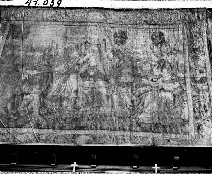 2 pièces murales : le Couronnement d'Esther, Elie et les prêtres de Baal dit aussi le prêtre va recueillir la cendre pour l'eau de purification