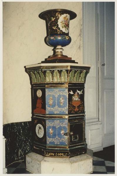 poêle de chauffage, vase décoratif