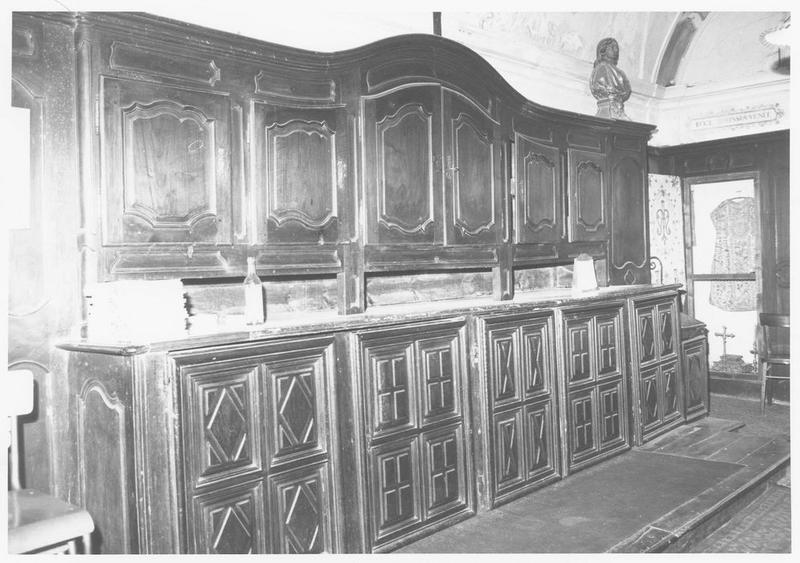 meuble de sacristie, lambris de revêtement, porte