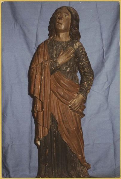 statues : saint Jean