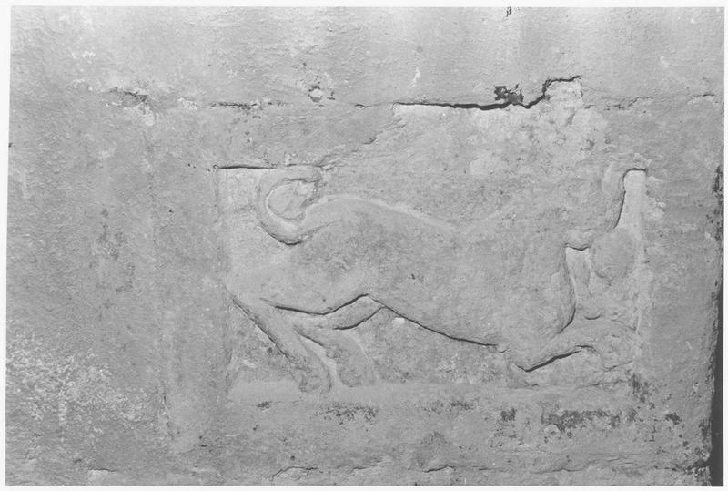 sculpture: relief animalier