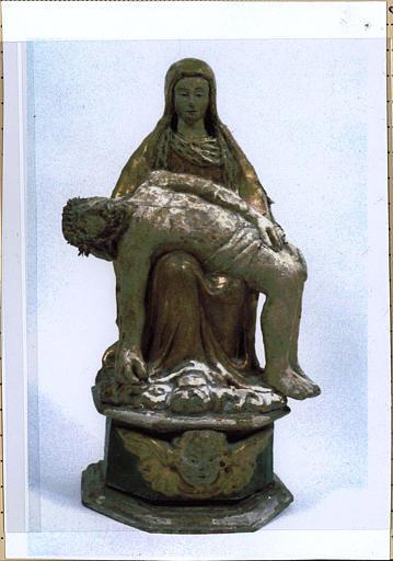 Statuette : Pieta, vue de face