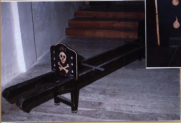 Brancard funéraire de confrérie de pénitents