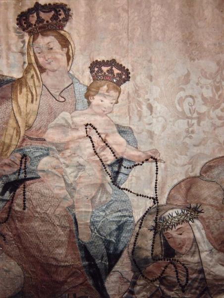 Bannière de procession double face : la Vierge et l'enfant remettant le rosaire à sainte Catherine de Sienne et saint Dominique, saint Etienne