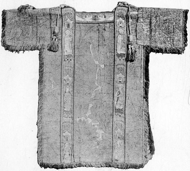 Chasuble, 5 chapes, 2 dalmatiques, 2 étoles, 3 manipules et une bourse de corporal de Rostaing d'Ancezune, archevêque d'Embrun