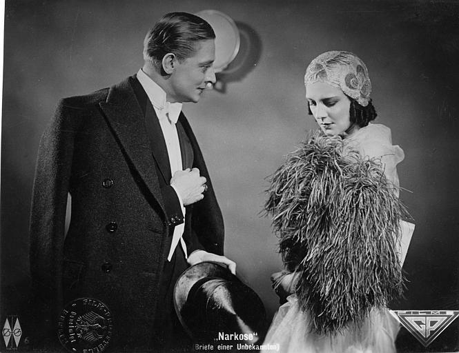 Renée Héribel est Angélique Laumain et Jack Trevor est René Vernon dans 'Narkose' d'Ernst Garden et  Ernst Garden (Abel film)